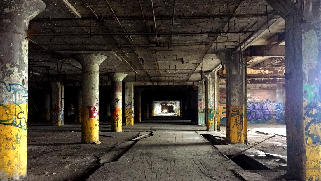 Blick in das verlassene Gebäude fisher building in Detroit