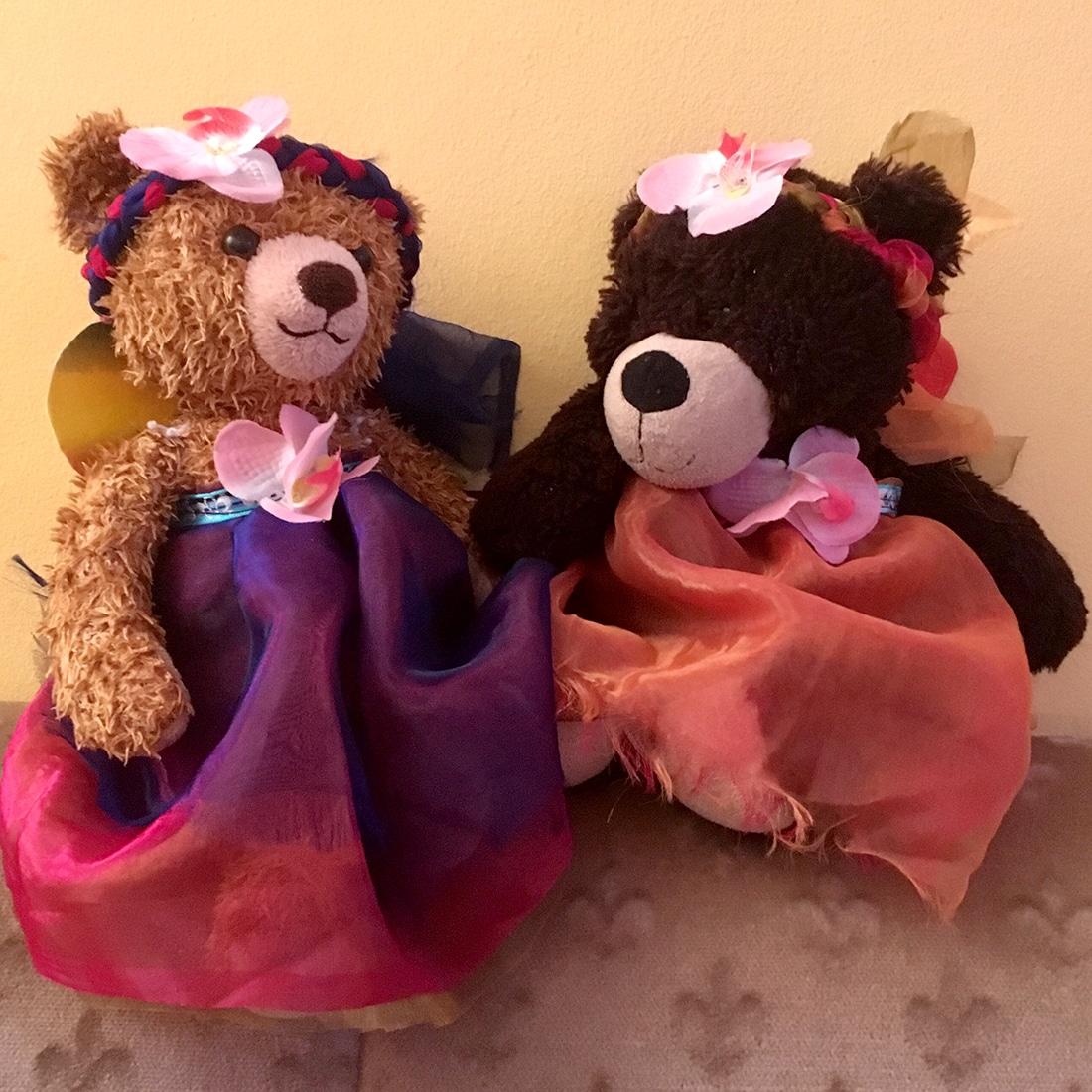 Als Fee verkleidete Teddybären von vorne